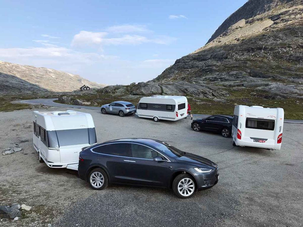 ELECTRIC CAR AND CARAVAN